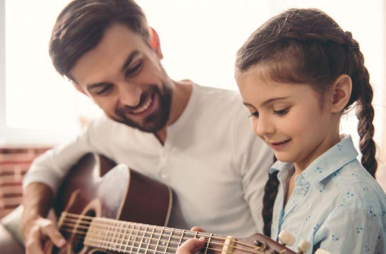 Πώς η σχέση πατέρα-κόρης μπορεί να επηρεάσει την συνολική υγεία μιας γυναίκας