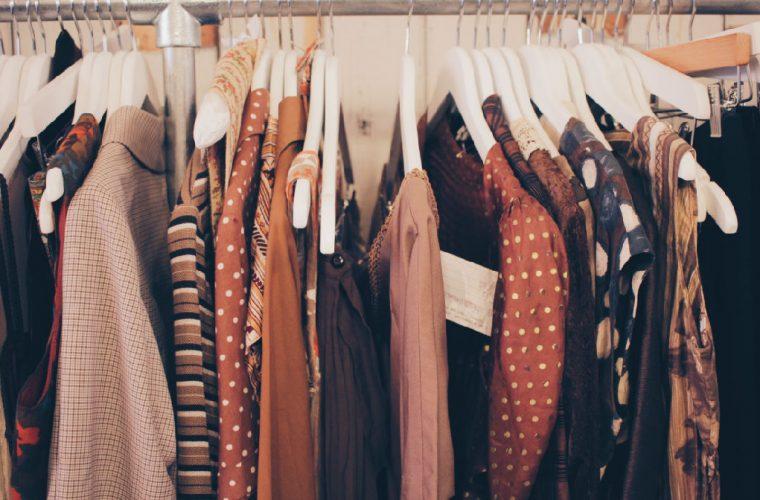Το κόλπο για να δεις αν το ρούχο που αγόρασες είναι καλής ποιότητας!