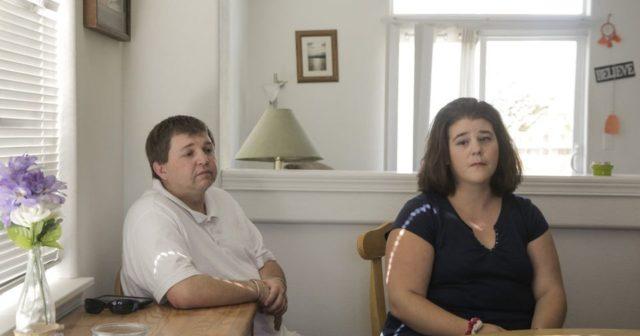 Γονείς στις ΗΠΑ έχασαν την κηδεμονία των παιδιών τους επειδή δεν είναι «αρκετά έξυπνοι» για να τα μεγαλώσουν