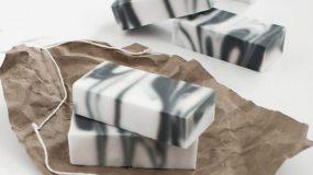 DIY: Nα πώς θα Φτιάξετε «Μαρμάρινο» Σαπούνι