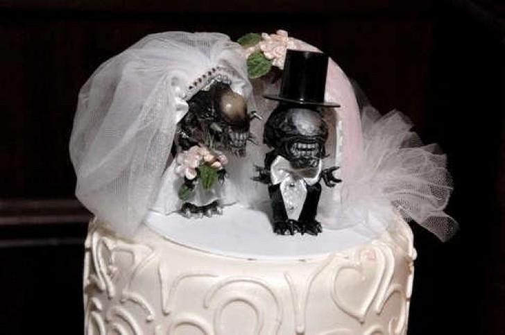 17 Υπέροχες και Πονηρές Τούρτες Γάμου που Κάνουν Θραύση στο Διαδίκτυο! Με την 11η θα Κοκκινίσετε!