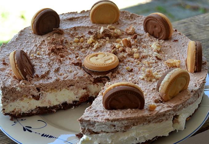 Πανεύκολη Τούρτα παγωτό με μπισκότα για κάθε περίσταση