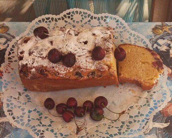 Κέικ με κεράσια απο τη Sofia Kara