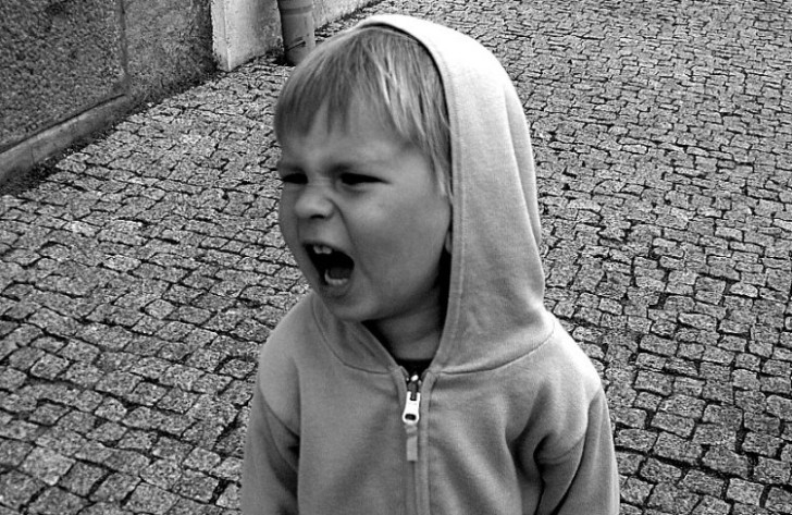 10 Άγραφοι Κανόνες που Τηρούνται Ευλαβικά από ΚΑΘΕ Σωστή Οικογένεια. Το Νο.4 το Κάνουν μόνο οι Σοφοί Γονείς!