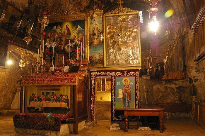 Τα 49 σκαλιά για τον Τάφο της Παναγίας