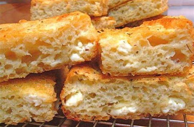 Ένα τυρόψωμο, μα τι τυρόψωμο!, όπως το ετοίμαζε η «Γιαγιά μας»