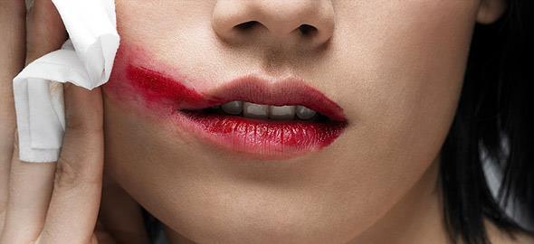 Τα 8 σημαντικότερα λάθη ομορφιάς που καταστρέφουν την εμφάνισή σας