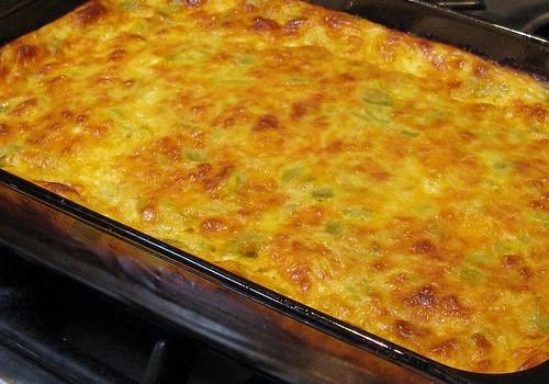 Μια εύκολη συνταγή για Σουφλέ με λαχανικά, ζυμαρικά και τυριά.
