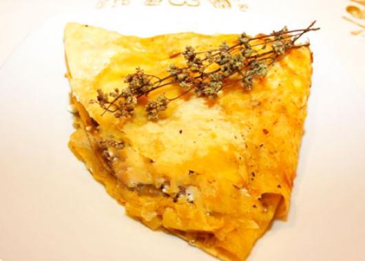 Ποντιακά πιτάκια σάτσ' περέκ, με κιμά ή τυρί