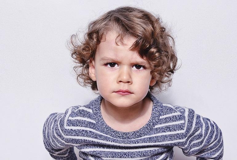 Χρήσιμα tips για να μάθετε στο παιδί να αναγνωρίζει και να εκφράζει τα συναισθήματά του