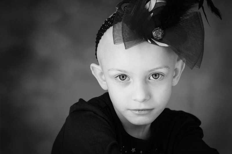 Sophi Eber: Eπέζησε από την μάχη ενάντια στον καρκίνο και εμπνέει χιλιάδες ανθρώπους με μία μόνο φωτογραφία