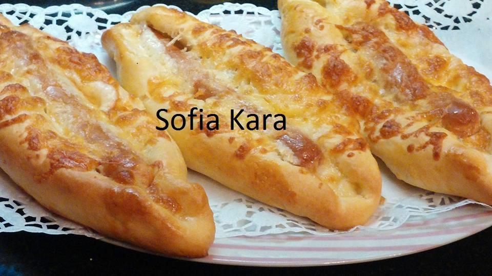 Λαχταριστά πεινιρλί με τη ζύμη που φτιάχνεις τα πάντα!από την Sofia Kara