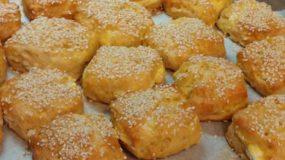 Τραγανά πρωτότυπα τυροπιτάκια  με κουπ ατ από τη Sofia Kara
