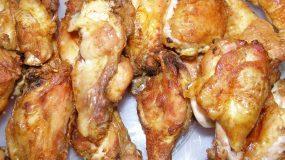 Φτερούγες με μουστάρδα και πάπρικα στο φούρνο