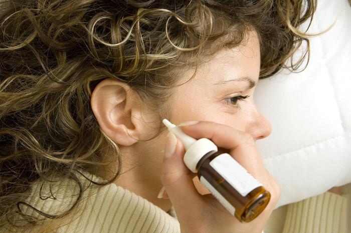 7 φυσικές θεραπείες για το κερί στα αυτιά
