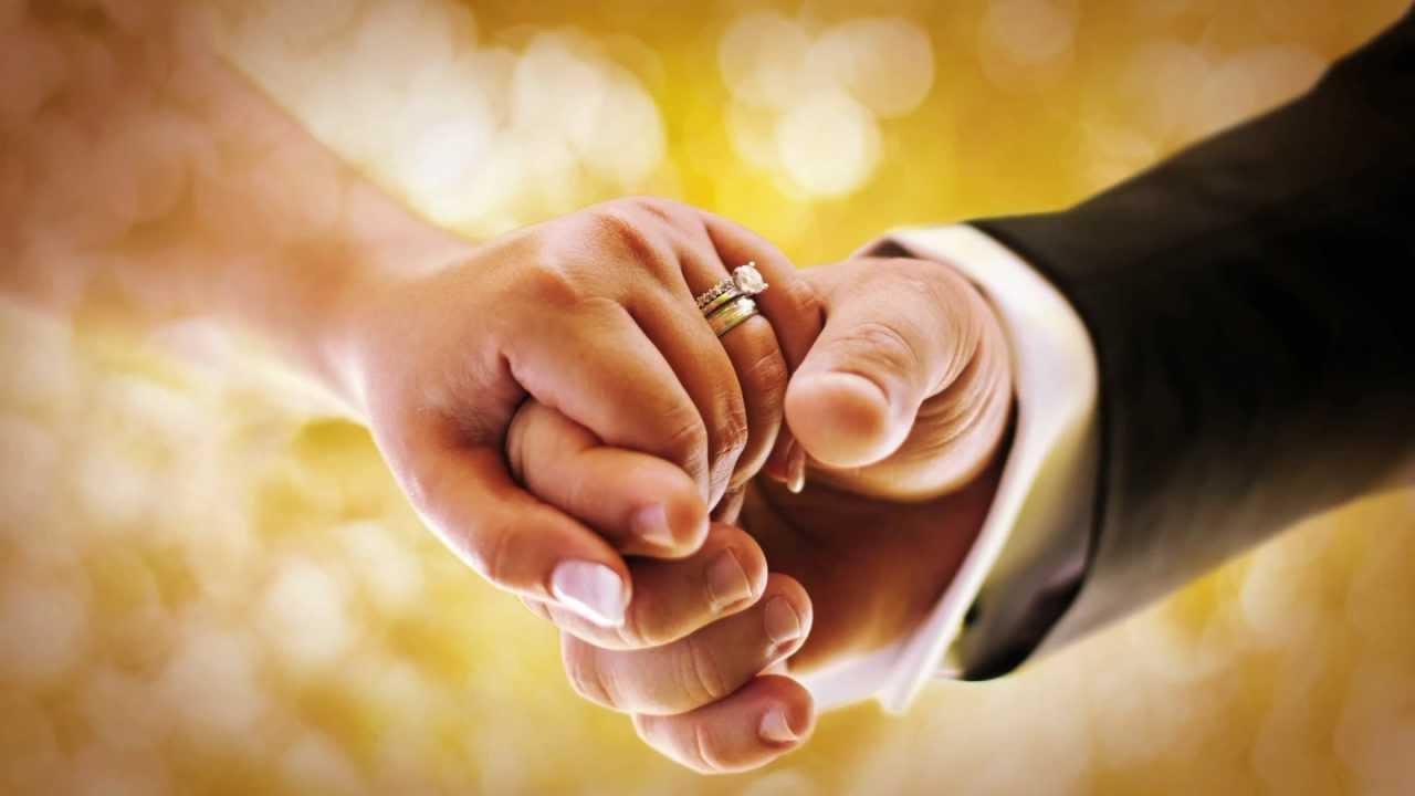 Γυναίκες μοιράζονται μαζί μας, για ποιο λόγο δεν παντρεύονται παρόλο που βρίσκονται σε μια μακροχρόνια σχέση