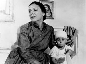 Η συγκλονιστική ιστορία της «μάνας» του Ελληνικού σινεμά που δεν γνώρισε μητέρα!