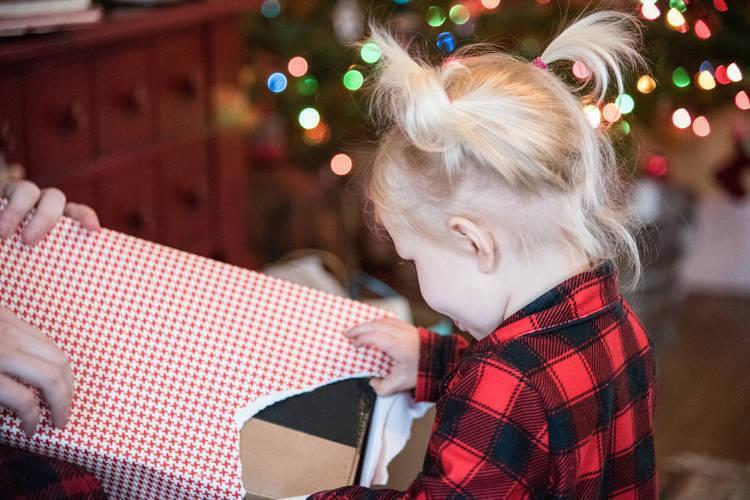 Γιατί αυτή η μαμά αρνείται να αγοράσει οποιαδήποτε δώρο στο κοριτσάκι της φέτος τα Χριστούγεννα