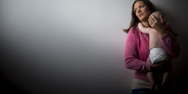 Οι γυναίκες που γεννούν το χειμώνα είναι λιγότερο πιθανό να βιώσουν επιλόχεια κατάθλιψη, σύμφωνα με μια έρευνα
