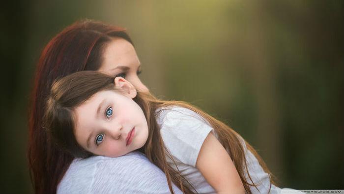"""Μητρική ενσυναίσθηση: Είναι οι μητέρες βιολογικά """"προγραμματισμένες"""";"""