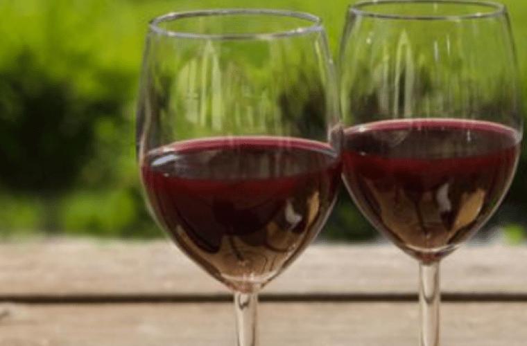 13 λόγοι για να πιείτε ένα ποτήρι κόκκινο κρασί!Ο πέμπτος θα σας ενθουσιάσει