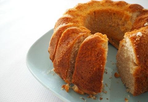 Πανεύκολο κέικ κανέλας
