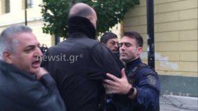 Ο Κώστας Ζέμπερης στην θέα του δολοφόνου της κόρης του βγήκε εκτός εαυτού .video