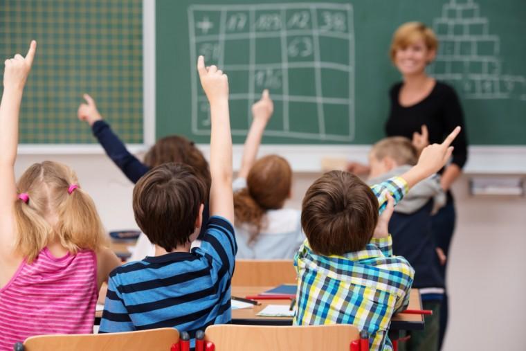 Δημοτικό Σχολείο: Τι πρέπει να γνωρίζετε για τις απουσίες μαθητών και για την ενημέρωση των γονέων από τους δασκάλους