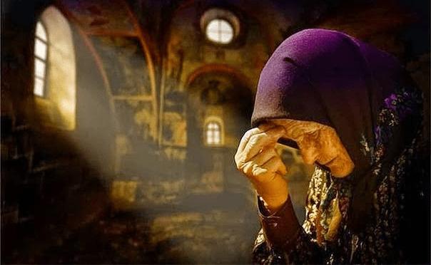 Ποια ώρα γεμίζουν οι εκκλησίες με Αγγέλους – Η Γεροντισσα Λαμπρινή συγκλονίζει…!!!