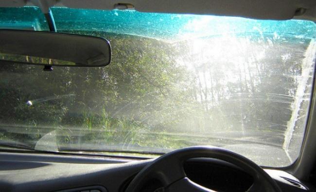 Ο περίεργος λόγος για τον οποίο θα πρέπει πάντα να έχετε μια λίμα νυχιών στο αυτοκίνητό σας
