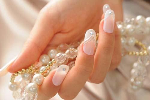 Μανικιούρ με πέρλες: 30 εντυπωσιακά σχέδια στα νύχια