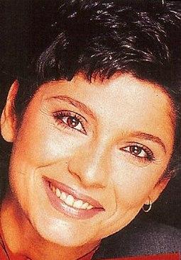 Δεν φαντάζεστε πόσο διαφορετική έδειχνε η Πόπη Τσαπανίδου στα 90s!