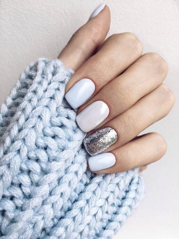 Τα μανικιούρ των γιορτών: 15 διαφορετικές ιδέες για να βάψεις τα νύχια σου!