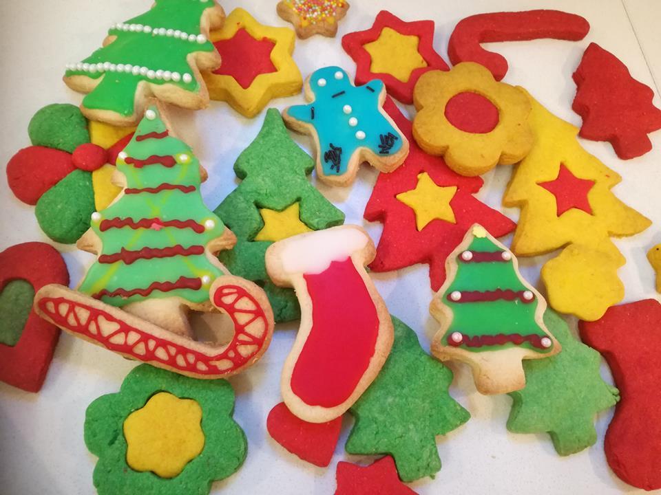Παιχνιδιάρικα, πεντανόστιμα, τραγανά νηστίσιμα Χριστουγεννιατικα μπισκοτάκια