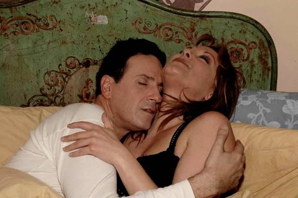 «Το Καφέ της Χαράς»: Ποιοι ηθοποιοί της σειράς ήταν… παντρεμένοι μεταξύ τους;