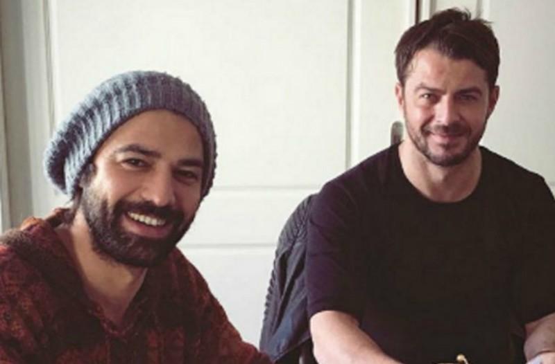 Γιώργος Αγγελόπουλος: Έδωσε τα χέρια με τους συντελεστές του Τατουάζ-Δείτε φωτογραφίες
