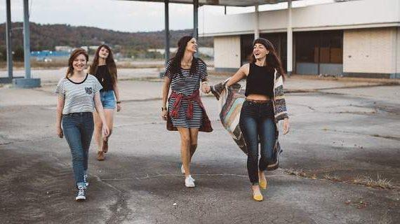 Αλλαξαν τα δεδομένα: Η εφηβεία πλέον αρχίζει στα 10 και διαρκεί μέχρι τα 24 χρόνια