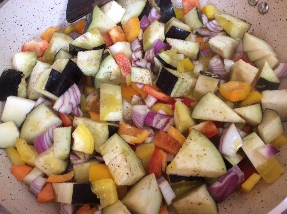 Μακαροναδα με σαλτσα λαχανικων ,2 μονάδες χωρις τυρι
