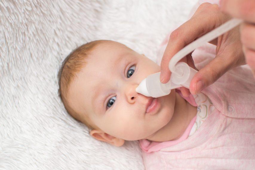 Πώς θα καθαρίσετε τη μύτη του μωρού