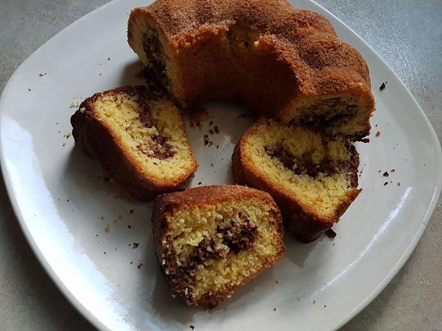 Εύκολο κέικ βανίλια-σοκολάτα που ξετρελαίνει μικρούς και μεγάλους!!!!!!!!