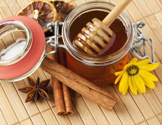 7 υπέροχες συνταγές με την μαγειρική σόδα για το πρόσωπό σας