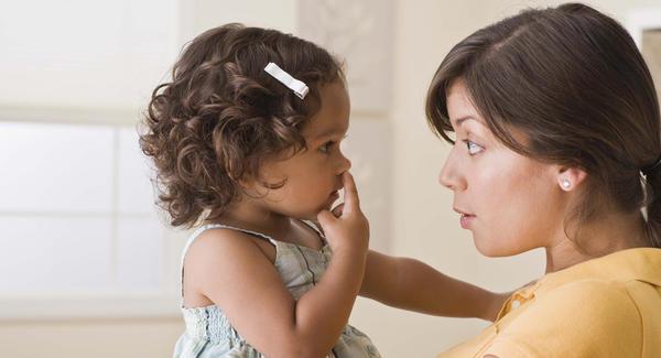 Το Νο1 πράγμα που πρέπει να κάνετε αν το παιδί αρχίσει να χτυπάει