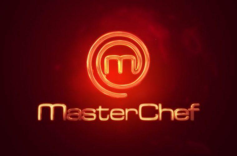 Δεν έχει ξαναγίνει: Παίκτης του Master Chef αρνείται να μπει στο ίδιο δωμάτιο με γυναίκα για τον πιο αδιανόητο λόγο (Vid)
