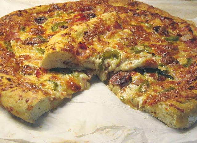 H πιο σπέσιαλ πίτσα που έχετε φάει ποτέ! Πολύ αφράτη!!!