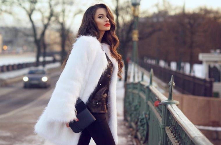 To σικ και οικονομικό πουκάμισο που έχει ξετρελάνει τις fashion bloggers!