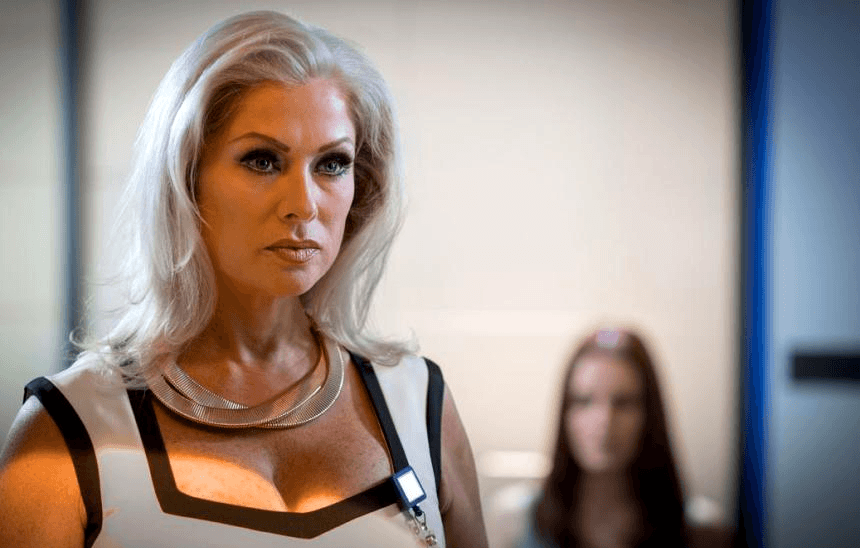 «Εσμεράλντα» ετών 49! Έτσι είναι σήμερα η πρωταγωνίστρια με τα καταπράσινα μάτια (εικόνες)