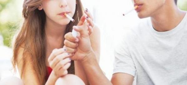 Τσουχτερά πρόστιμα που φτάσουν εώς και 10.000€ σε διευθυντές σχολείων εάν κάποιος μαθητής καπνίζει στο προαύλιο