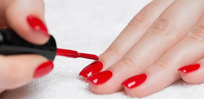 Άνοιξη / Καλοκαίρι : Οι 15 κορυφαίες τάσεις στα νύχια που θα λατρέψετε!