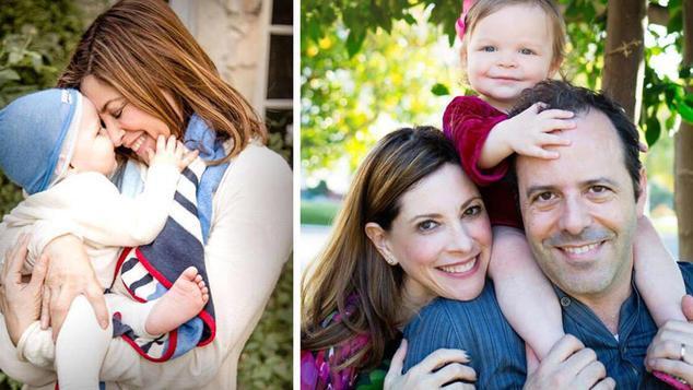 Μία γυναίκα που έγινε μητέρα στα 53 της στέλνει ένα δυνατό μήνυμα σε όλες όσες πιστεύουν ότι είναι πια αργά