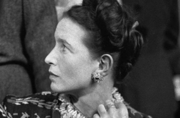 μαθήματα ζωής από τη Σιμόν Ντε Μποβουάρ στις γυναίκες: «Μία γυναίκα νιώθει πως γέρασε όταν οι άλλοι παύουν να την κακολογούν»